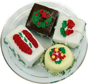 Mini Christmas Fakey Cakes 4 pack Fake Petit Fours top