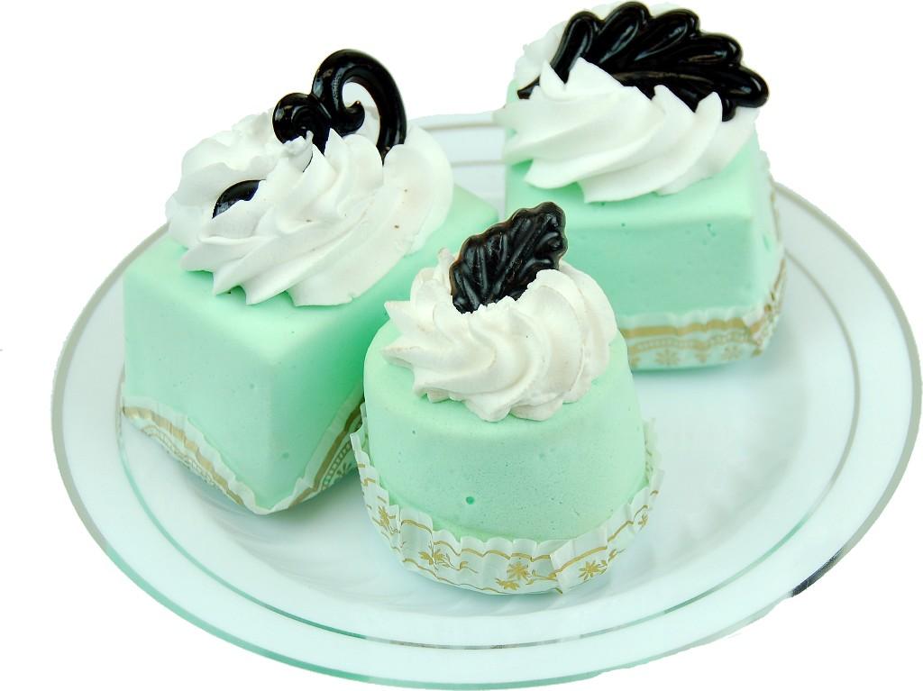 MINI CAKES green DESIGNER FAKE CAKES