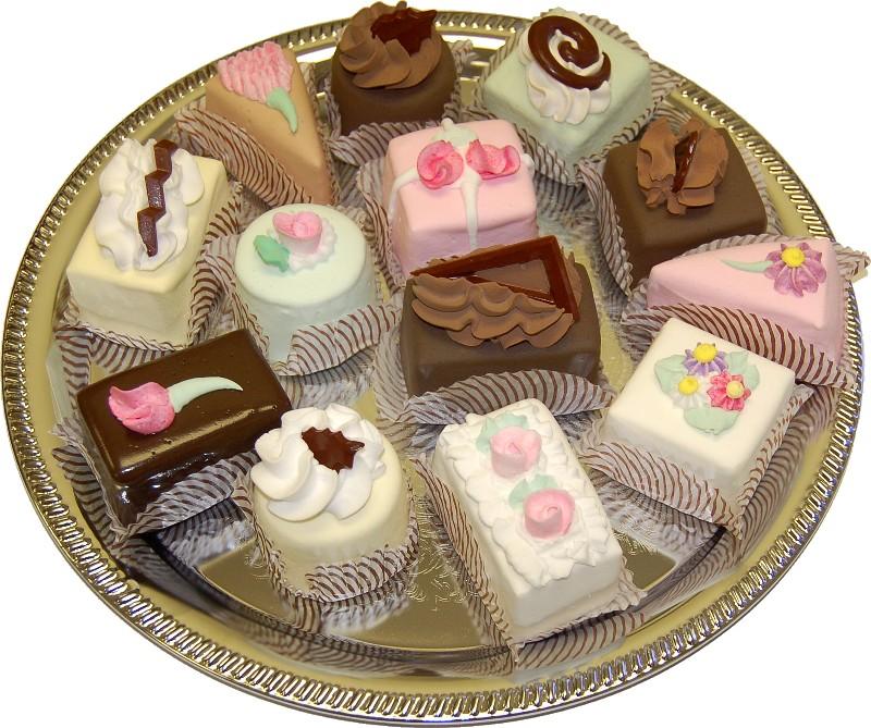fake dessert mini cakes assorted 13 pack