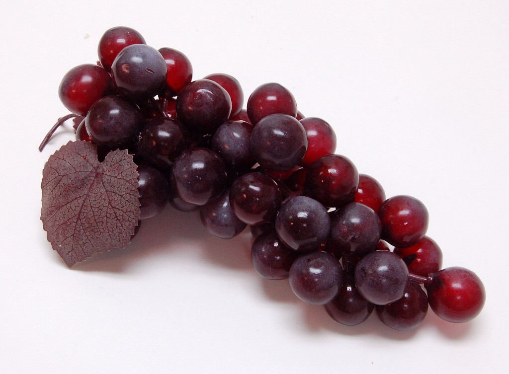 Grapes Burgundy 8 inch Fake Fruit