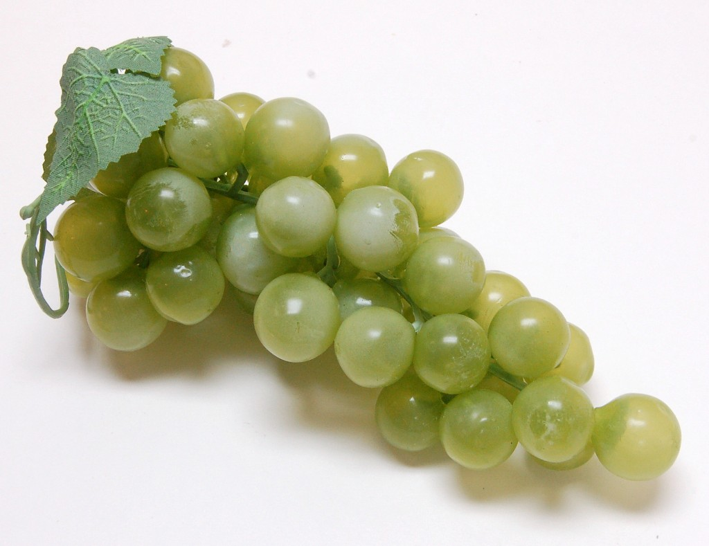 Grapes Green 8 inch Fake Fruit