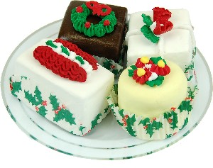 Mini Christmas Fakey Cakes 4 pack Fake Petit Fours Plate